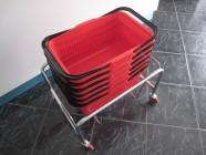 Fotogalerie: vozík pod nákupní košíky