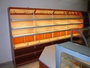 Fotogalerie: přístěnný regál na pečivo